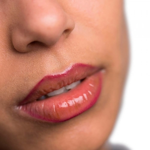 The Lip Pencil with Applicator 504